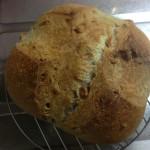 クルミのカンパーニュ(パンが裂ける実験中)