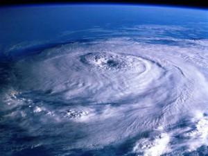 台風と熱帯低気圧の違い