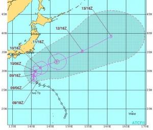 米軍の台風14号(モラヴェ)の進路予想