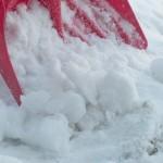 雪かき道具の便利なおすすめ5種!スコップの代わりになる日用品は?