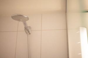 お風呂場の目地のカビ